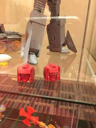 [KFC Toys] Produit Tiers - Jouet Phase 7-A Ditka - aka Blitzwing/Le Blitz - Page 3 WctQFbMs