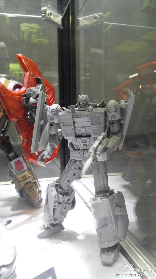 [Transform Mission] Produit Tiers - Jouet M-01 AutoSamurai - aka Menasor/Menaseur des BD IDW O6jpmG5Y