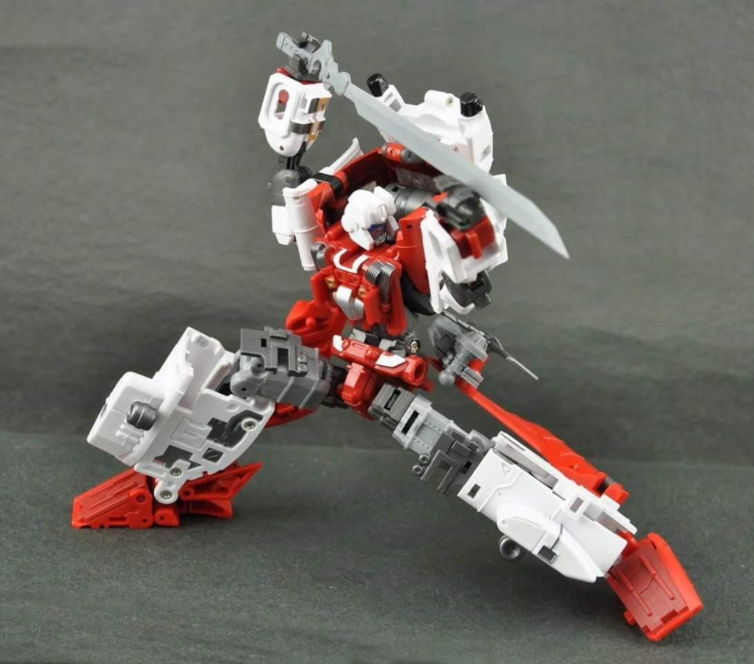 [MakeToys] Produit Tiers - Jouet MTCM-04 Guardia (aka Protectobots - Defensor/Defenso) - Page 3 Yetlji2I