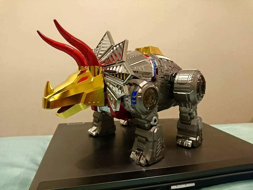 [GigaPower] Produit Tiers - Jouets HQ-01 Superator + HQ-02 Grassor + HQ-03 Guttur + HQ-04 Graviter + HQ-05 Gaudenter - aka Dinobots - Page 4 EVDNoevX