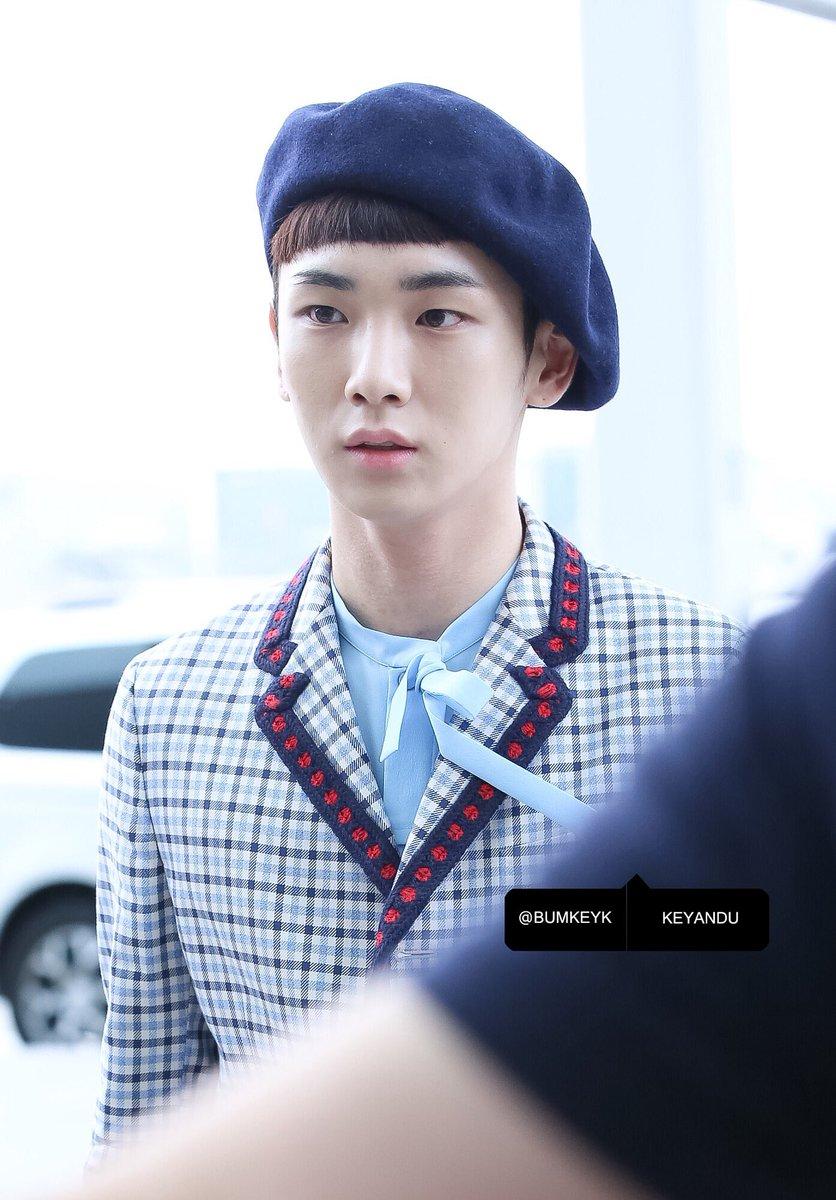 [IMG/160715] Jonghyun, Key @ Aeropuerto Incheon hacia Japón. F4CseSFZ