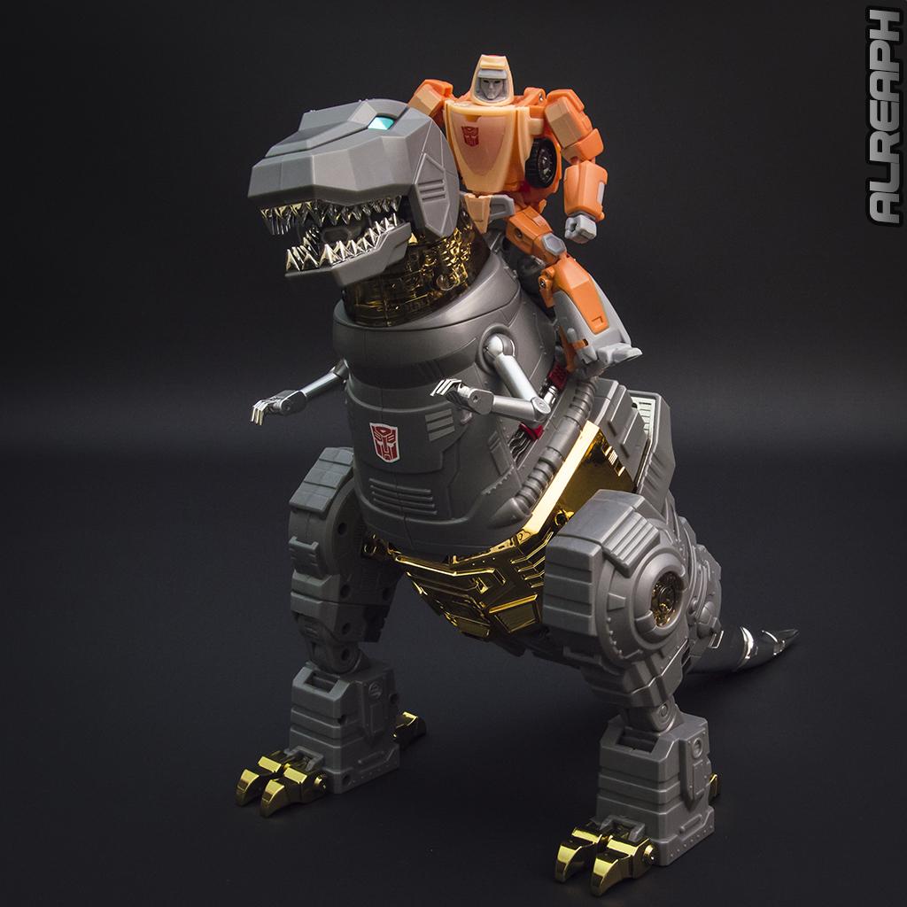 [Fanstoys] Produit Tiers - Dinobots - FT-04 Scoria, FT-05 Soar, FT-06 Sever, FT-07 Stomp, FT-08 Grinder - Page 12 LR97Rwmi