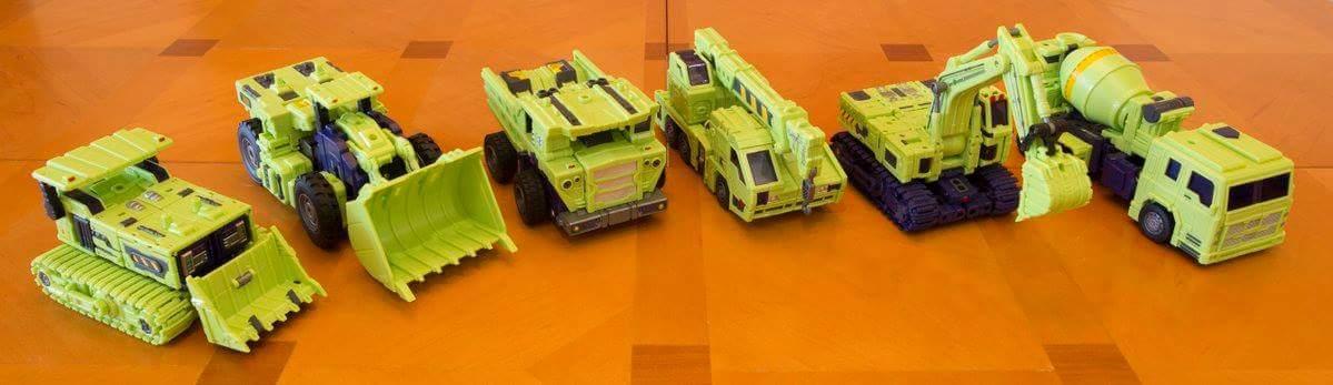 [Toyworld] Produit Tiers - Jouet TW-C Constructor aka Devastator/Dévastateur (Version vert G1 et jaune G2) - Page 9 HnkXBTzN