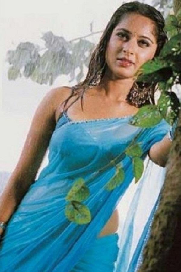 Anushka Shetty Hot in Saree#3 7 images - Page 2 AczhgBWX