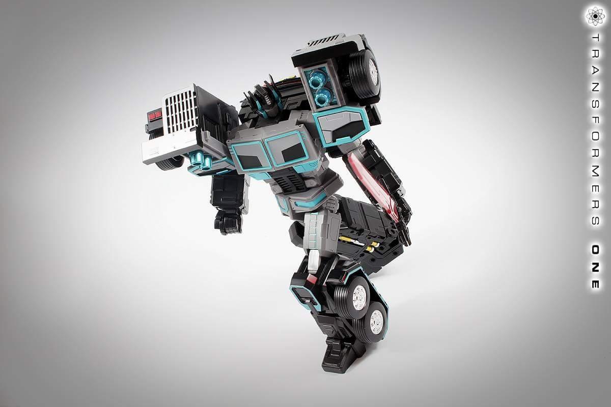 [FansHobby] Produit Tiers - Master Builder MB-01 Archenemy (aka Scourge RID 2000),  MB-04 Gunfighter II (aka Laser Optimus G2) et MB-09 Trailer (remorque) AclSckzX