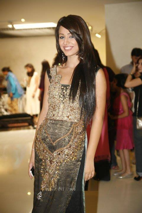 Ayyan - top model of Pakistan - Page 3 AddIVdnF