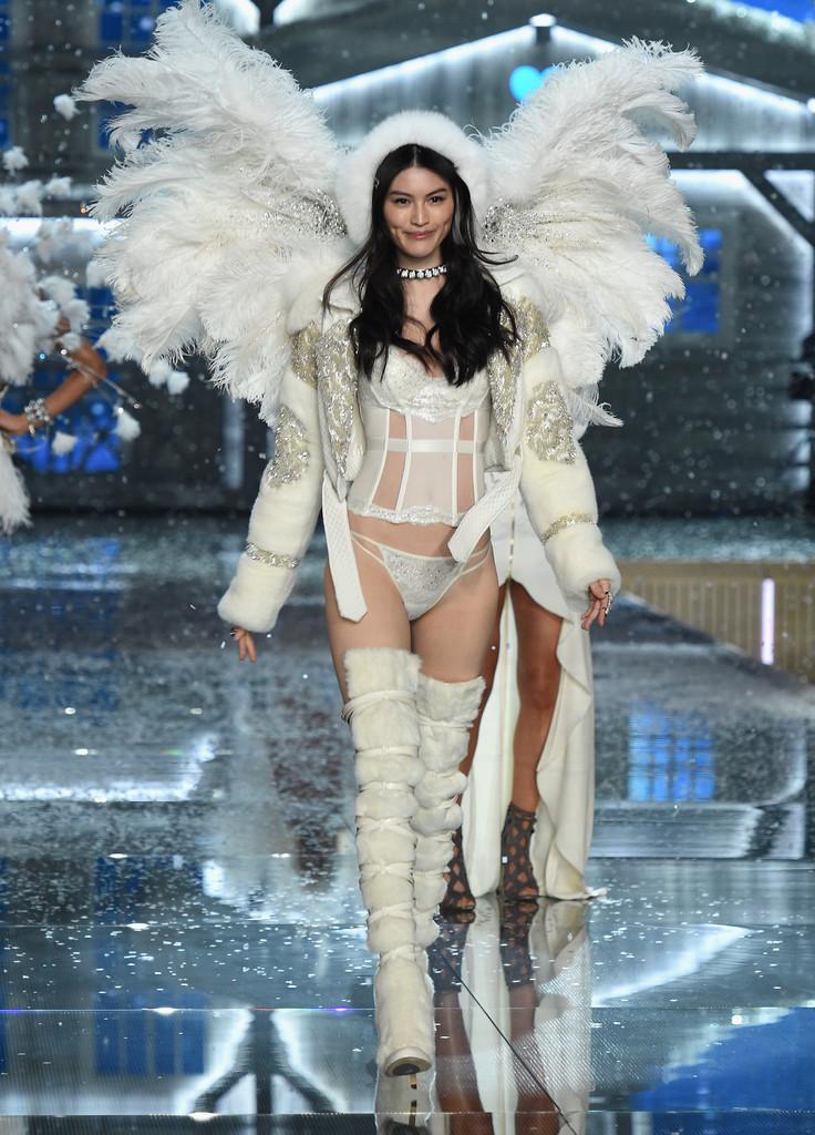 Victorias Secret Fashion Show What Day Is It