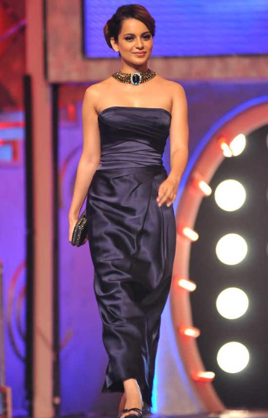 Malaika, Sonakshi, and Other Celebs at the 'Pantaloons Femina Miss India 2011' Finale AdfupuKh