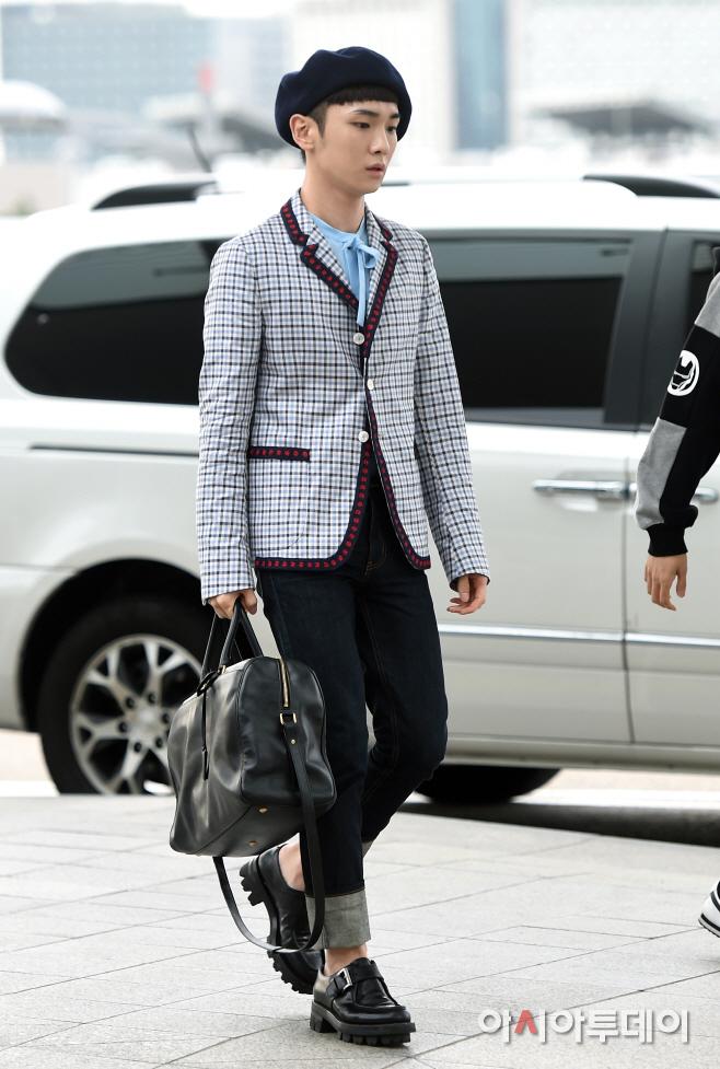 [IMG/160715] Jonghyun, Key @ Aeropuerto Incheon hacia Japón. LdFV3WL2