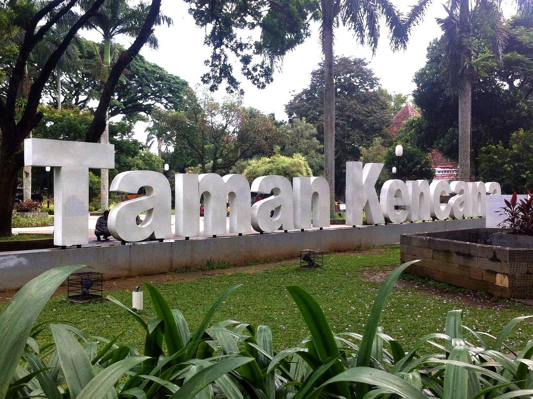 Wisata Bogor: Kuliner di Taman Kencana