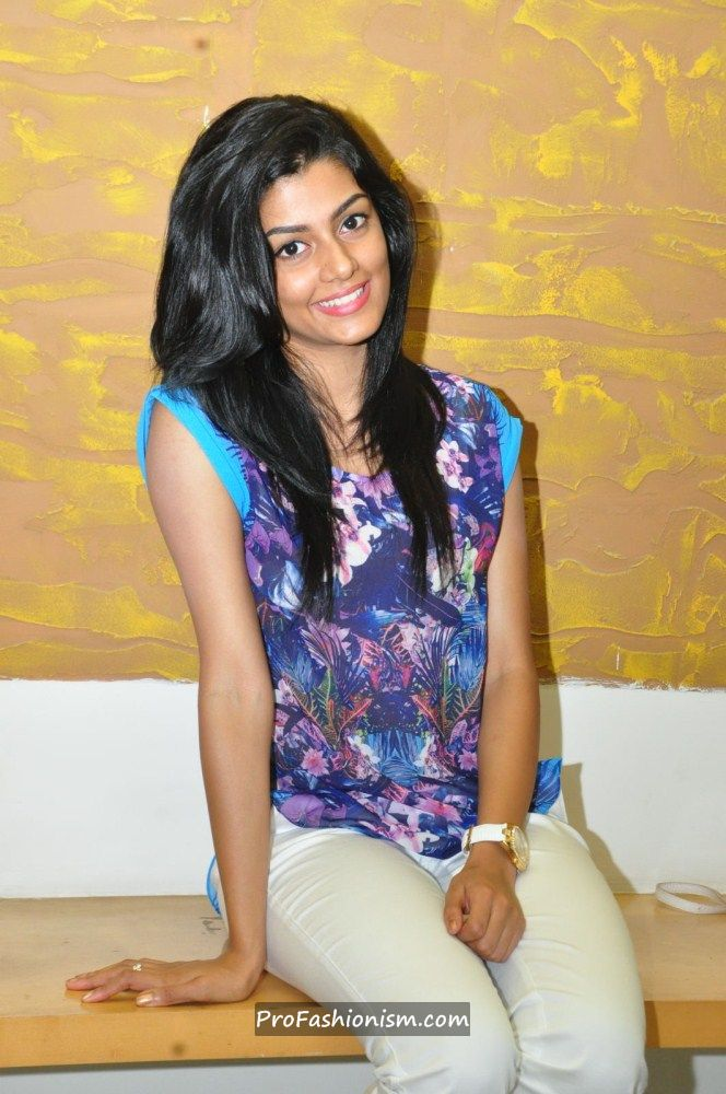 Anisha Ambrose Stills from Areyrey Press meet - Page 2 Abj9ciSX