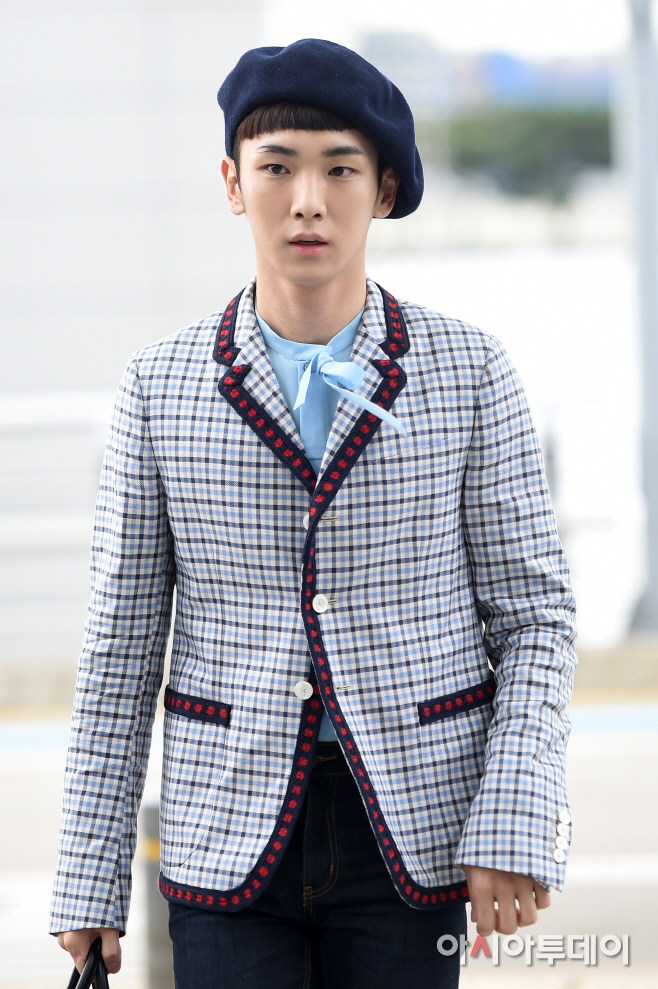 [IMG/160715] Jonghyun, Key @ Aeropuerto Incheon hacia Japón. 0G3Prmgq