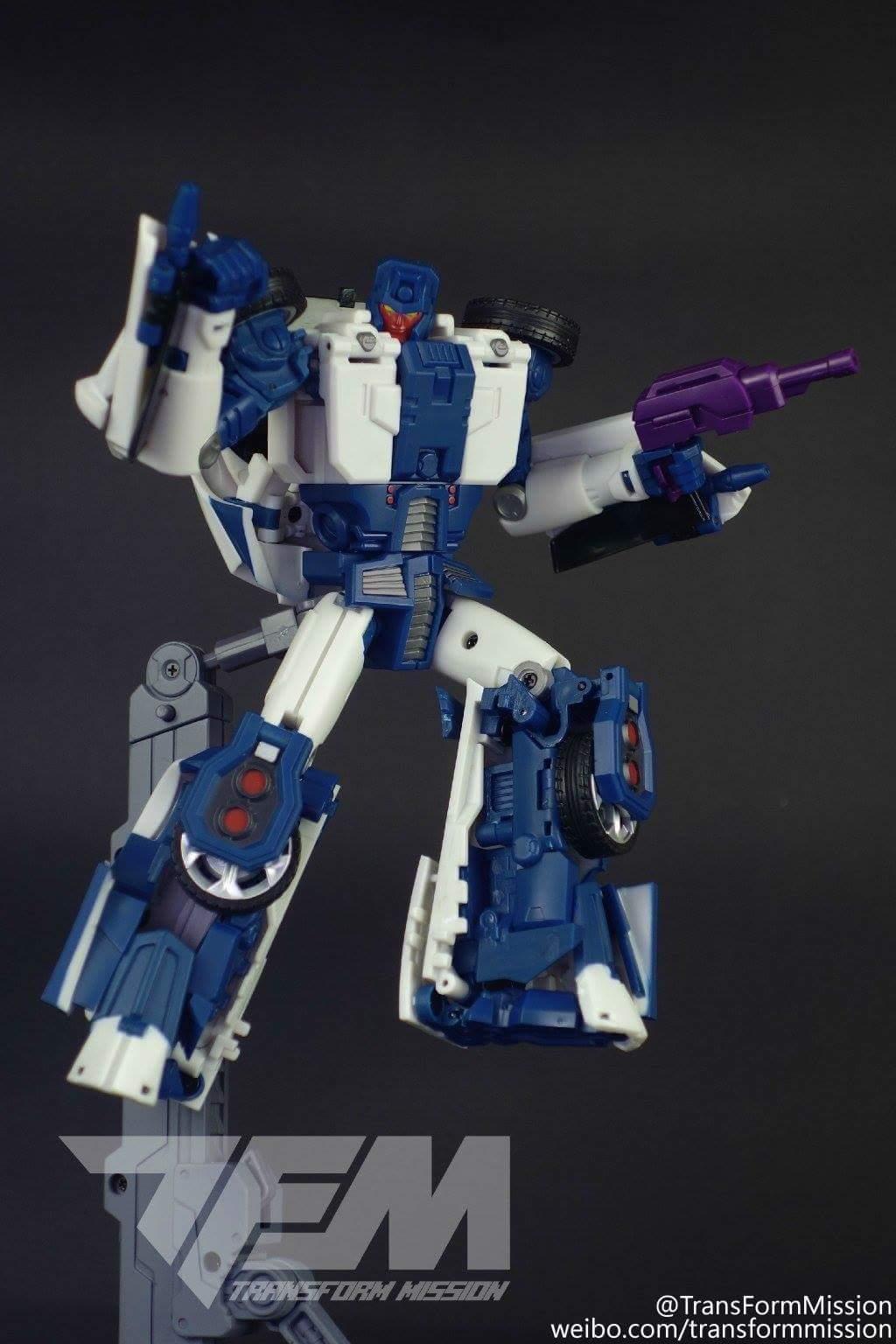 [Transform Mission] Produit Tiers - Jouet M-01 AutoSamurai - aka Menasor/Menaseur des BD IDW - Page 2 WObmaOGh