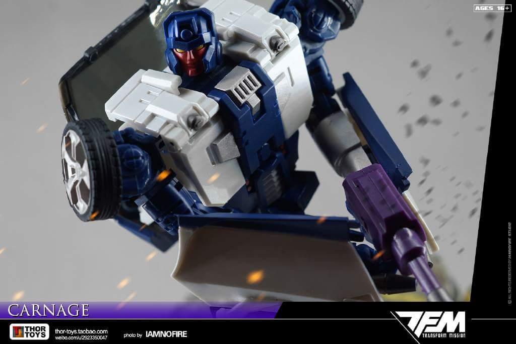 [Transform Mission] Produit Tiers - Jouet M-01 AutoSamurai - aka Menasor/Menaseur des BD IDW - Page 4 Eodp1A5f