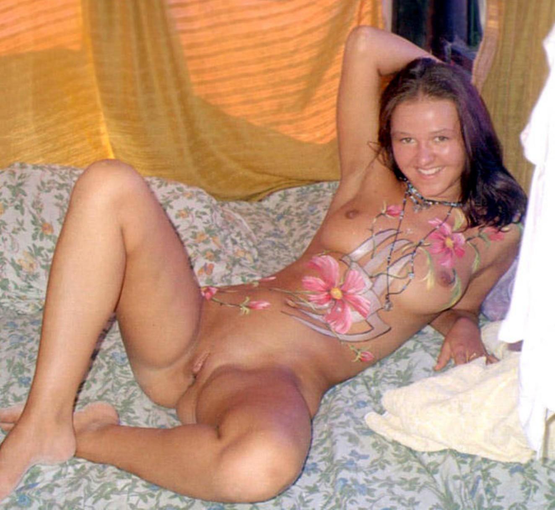 family body paint Nudist