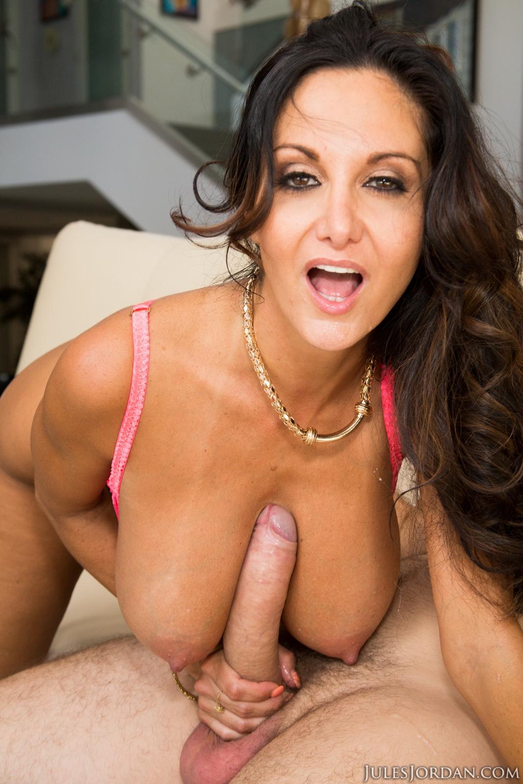Ava addams - mostrar, chupar y coger por el culo