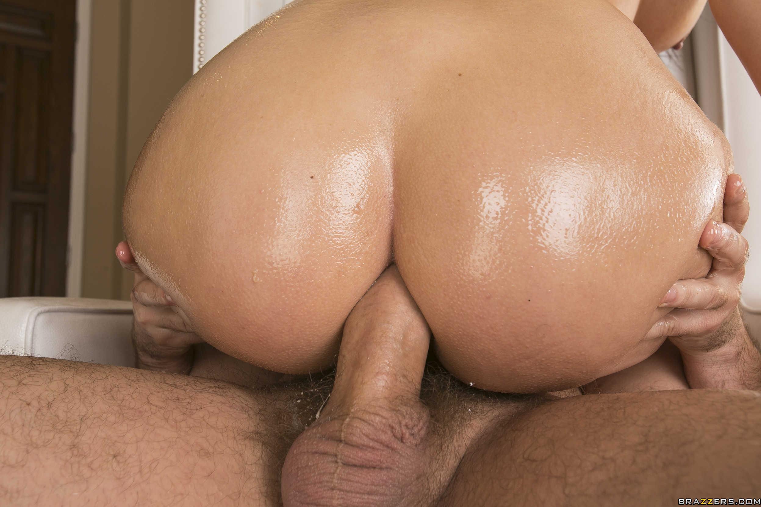 Madison Rose - una verga enorme para su boca y culazo