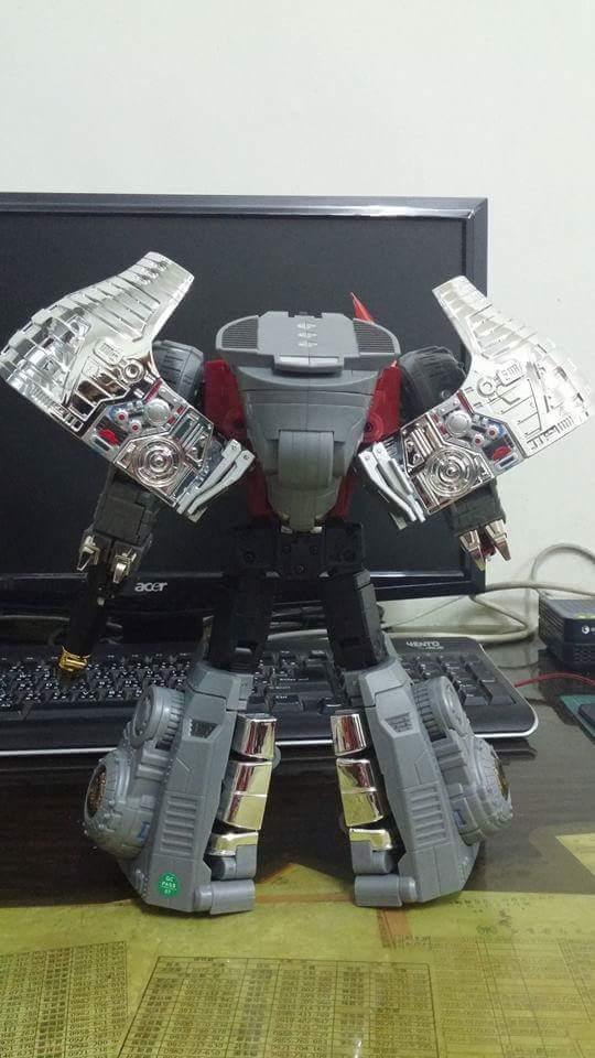 [Fanstoys] Produit Tiers - Dinobots - FT-04 Scoria, FT-05 Soar, FT-06 Sever, FT-07 Stomp, FT-08 Grinder - Page 9 HuuY5HYd