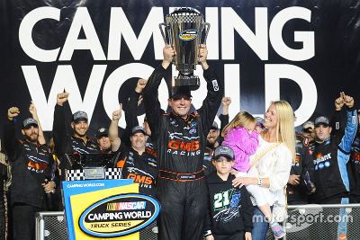 Johnny Sauter, campeón 2016 de la NASCAR Camping World Truck OcrKSiwm