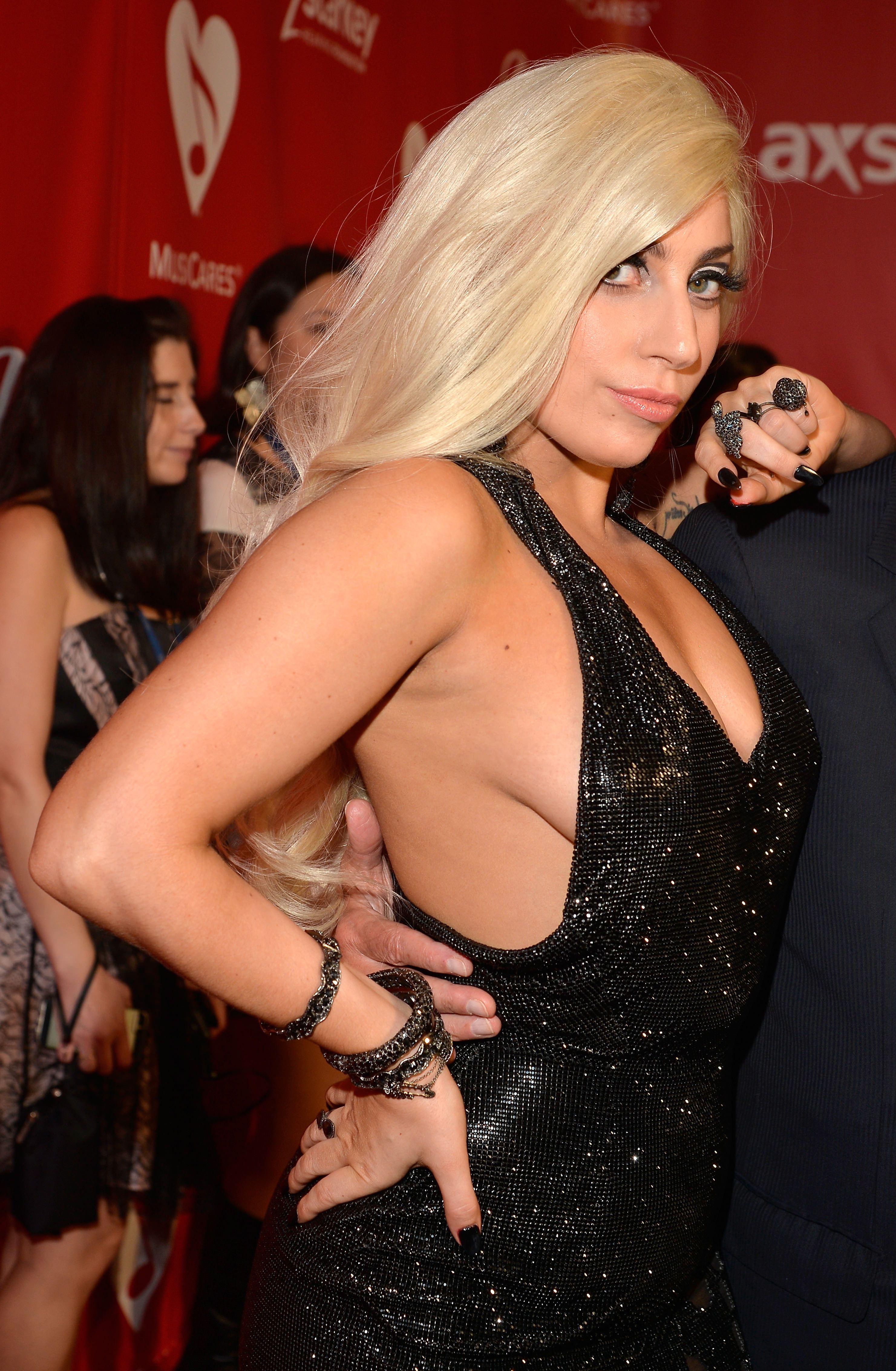 Sideboobs Lady GaGa nude photos 2019