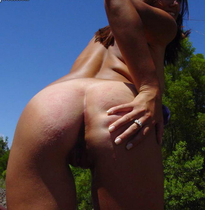adqttzRX Linda pareja amateur, desnudos en las vías (3 puntos)