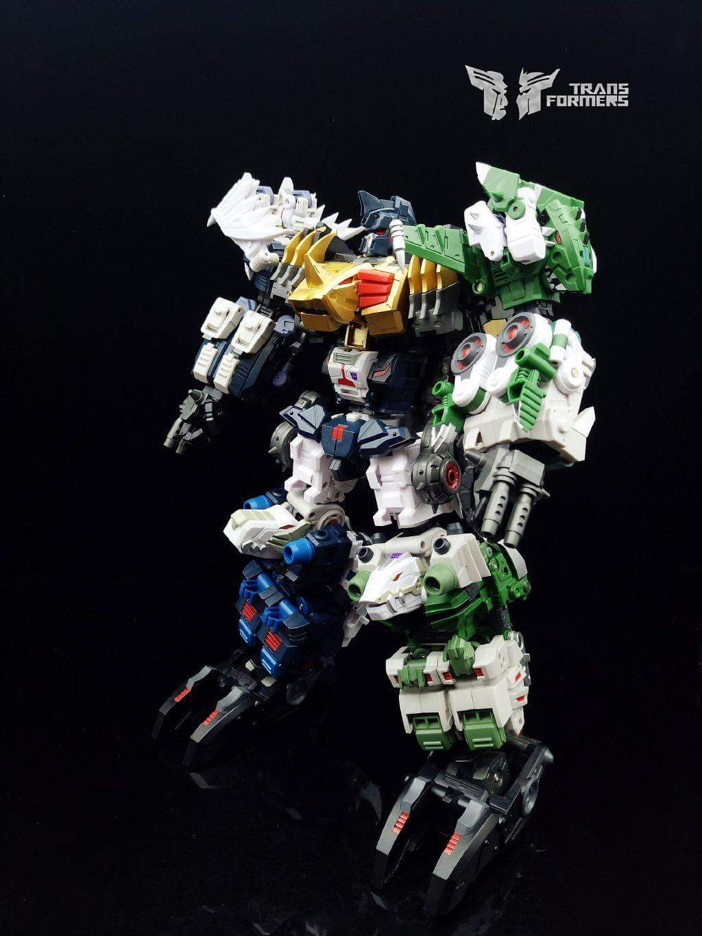 [FansProject] Produit Tiers - Jouet Saurus Ryu-oh aka Dinoking (Victory) | Monstructor (USA) - Page 2 RJTbMyul