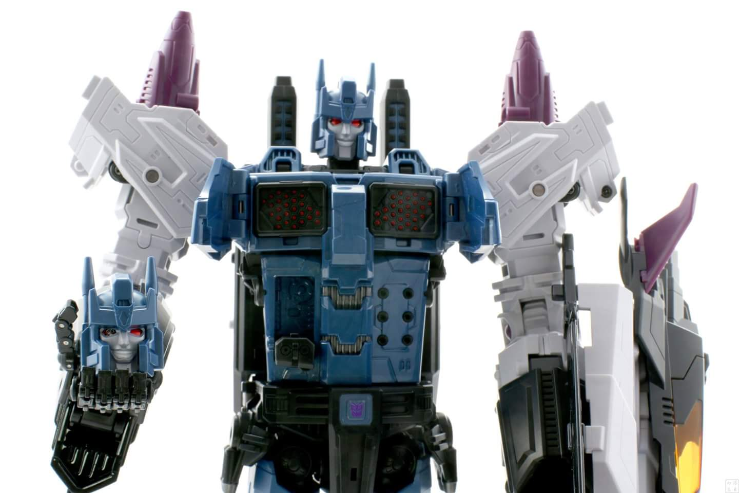 [Mastermind Creations] Produit Tiers - R-17 Carnifex - aka Overlord (TF Masterforce) - Page 3 QMMpAjJH