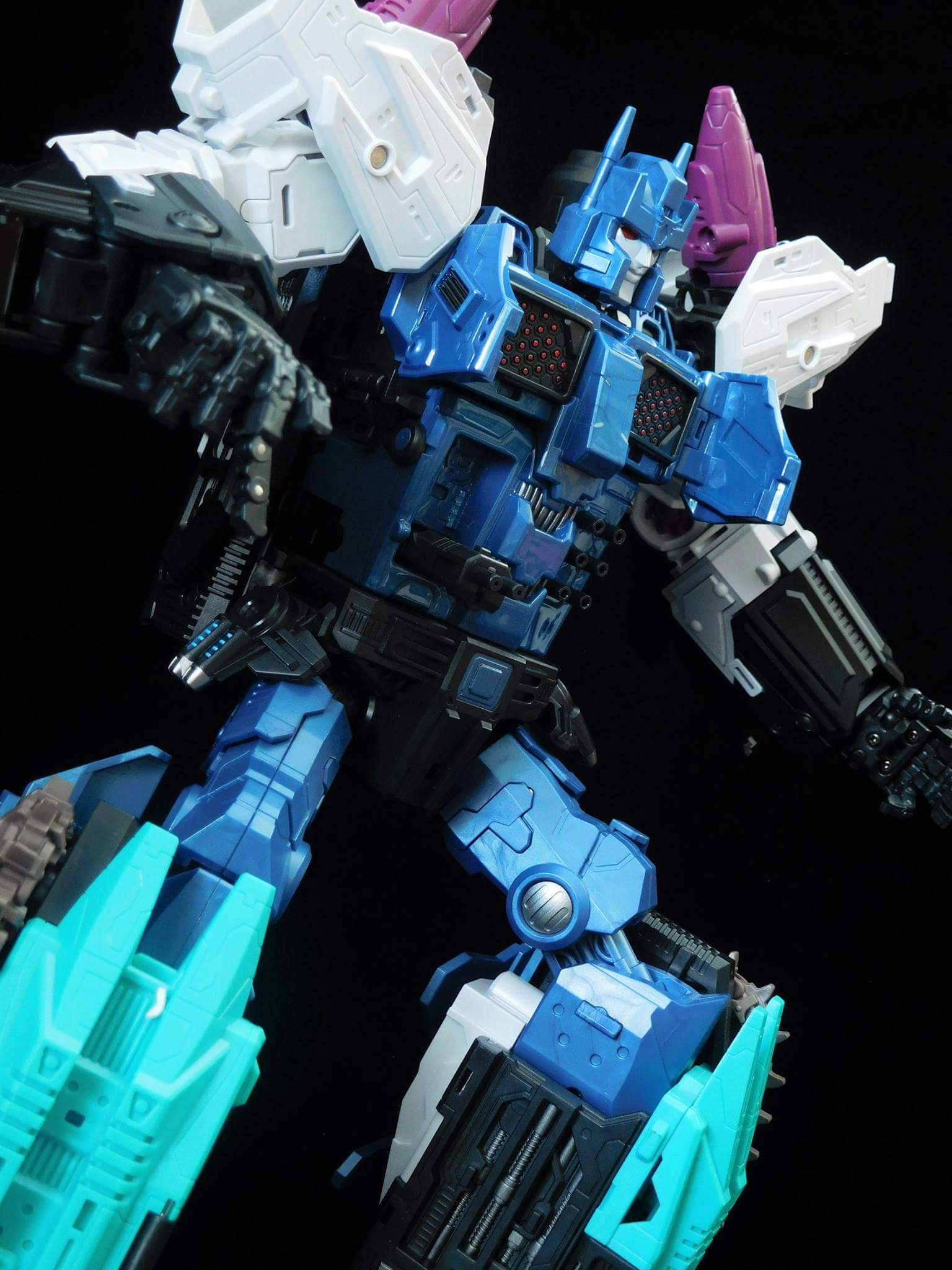 [Mastermind Creations] Produit Tiers - R-17 Carnifex - aka Overlord (TF Masterforce) - Page 3 RKaNLCfw