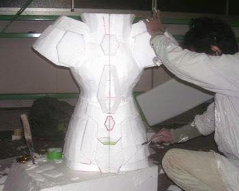 Processo de criação da Armadura de Gemeos para a exibição de Pachinko HwaE7Zqe