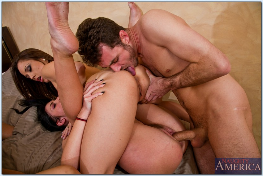 Hardcore tres estrellas porno atacan a un chico