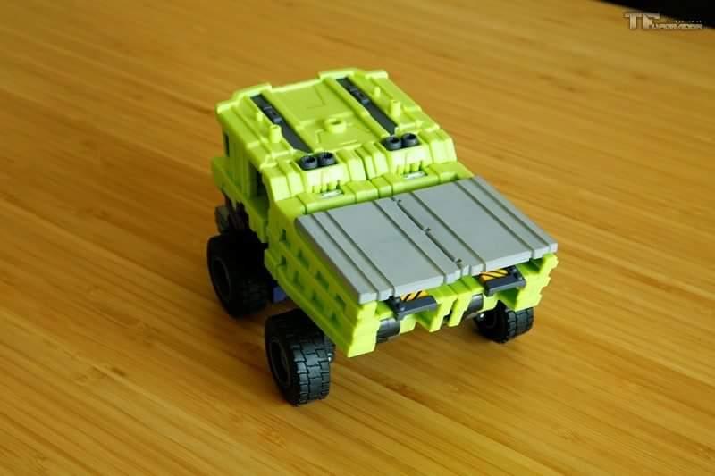 [Toyworld] Produit Tiers - Jouet TW-C Constructor aka Devastator/Dévastateur (Version vert G1 et jaune G2) - Page 8 Q4cRvdKx