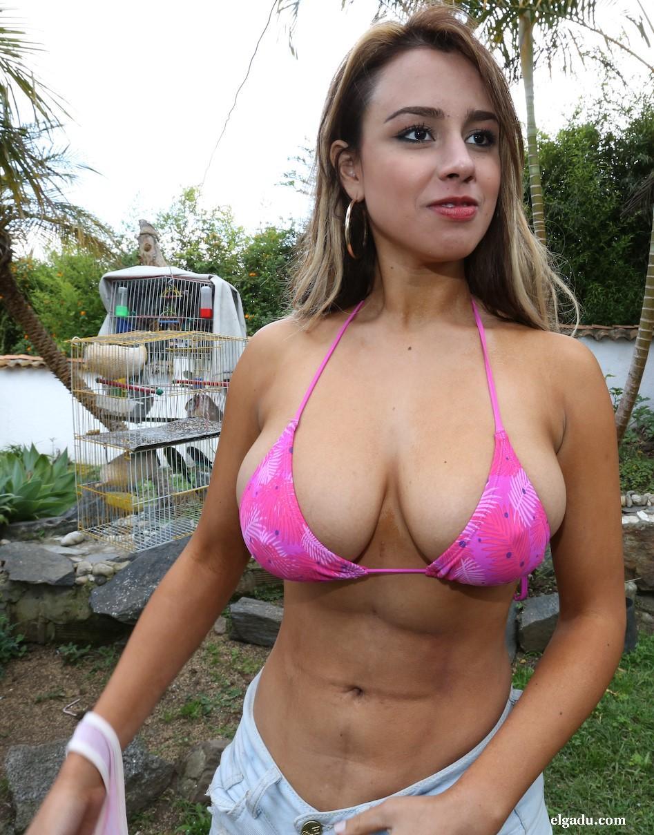 Colombiana gozando un dedo en el culo y dildo en su chocho - 2 part 2