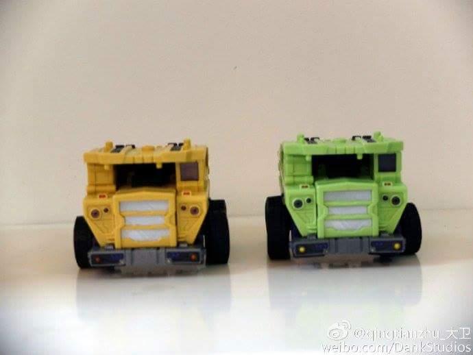 [Toyworld] Produit Tiers - Jouet TW-C Constructor aka Devastator/Dévastateur (Version vert G1 et jaune G2) - Page 8 MMOeJbeG