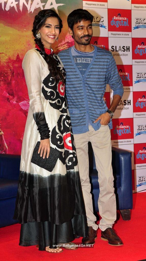 Sonam Kapoor and Dhanush at Reliance Digital Gallery Acu2L4vC