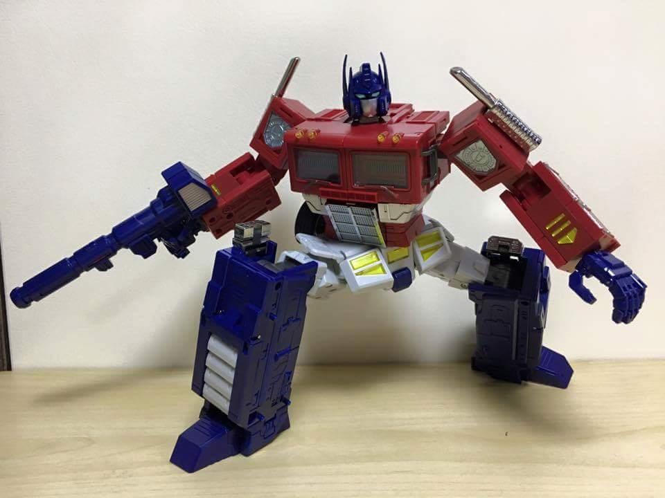 [ToyWorld][Zeta Toys] Produit Tiers - TW-M01 Primorion/Zeta-EX6O OriPrime et Zeta -EX6E EvaPrime - aka Optimus (G1 et Evangelion) MO3OYB9I
