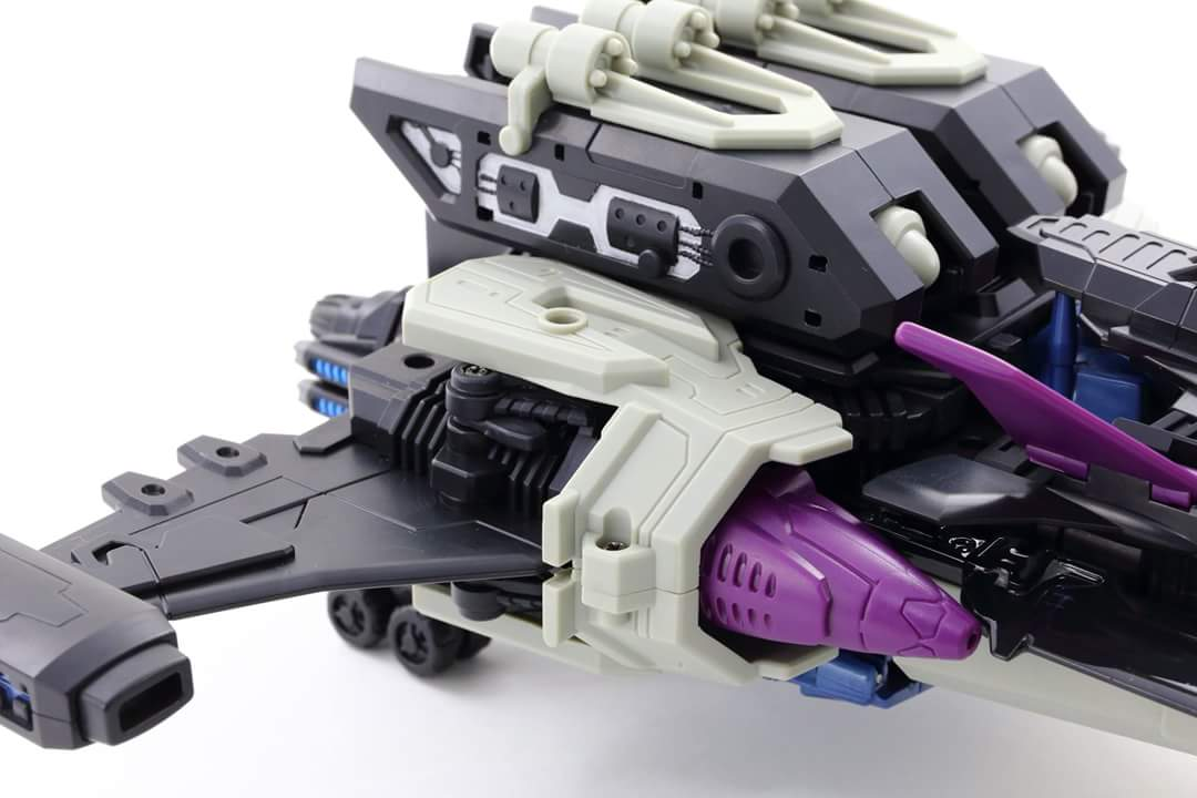 [Mastermind Creations] Produit Tiers - R-17 Carnifex - aka Overlord (TF Masterforce) - Page 3 XQ5Y2jj3