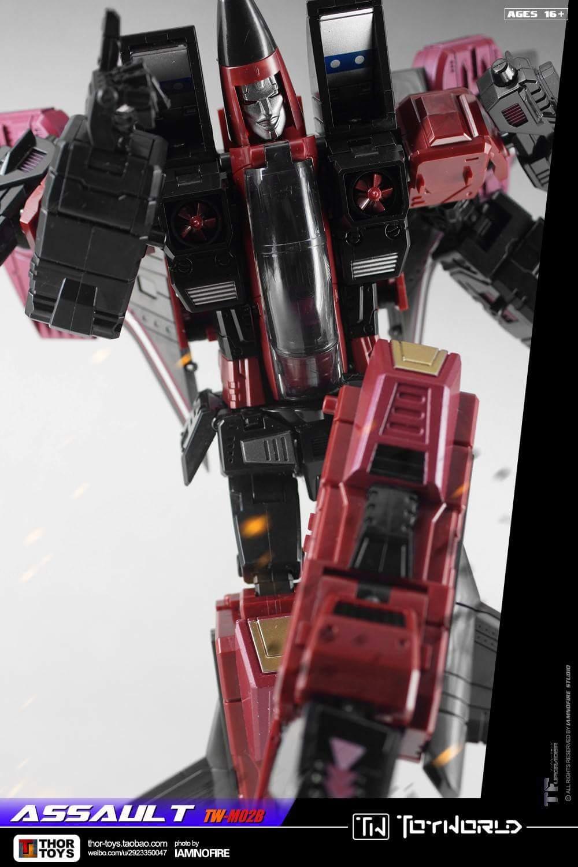 [ToyWorld] Produit Tiers - TW-M02A Combustor (Ramjet/Statoréacto), TW-M02B Assault (Thrust/Fatalo), TW-M02C Requiem (Dirge/Funébro) - Page 3 HhyabfuA