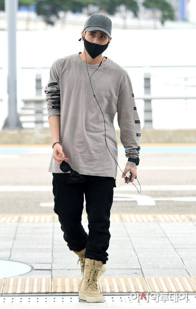 [IMG/160715] Jonghyun, Key @ Aeropuerto Incheon hacia Japón. Vuxz0HI3