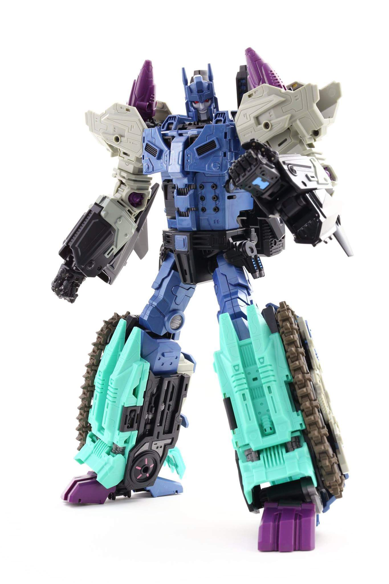 [Mastermind Creations] Produit Tiers - R-17 Carnifex - aka Overlord (TF Masterforce) - Page 3 NaOJOUPi