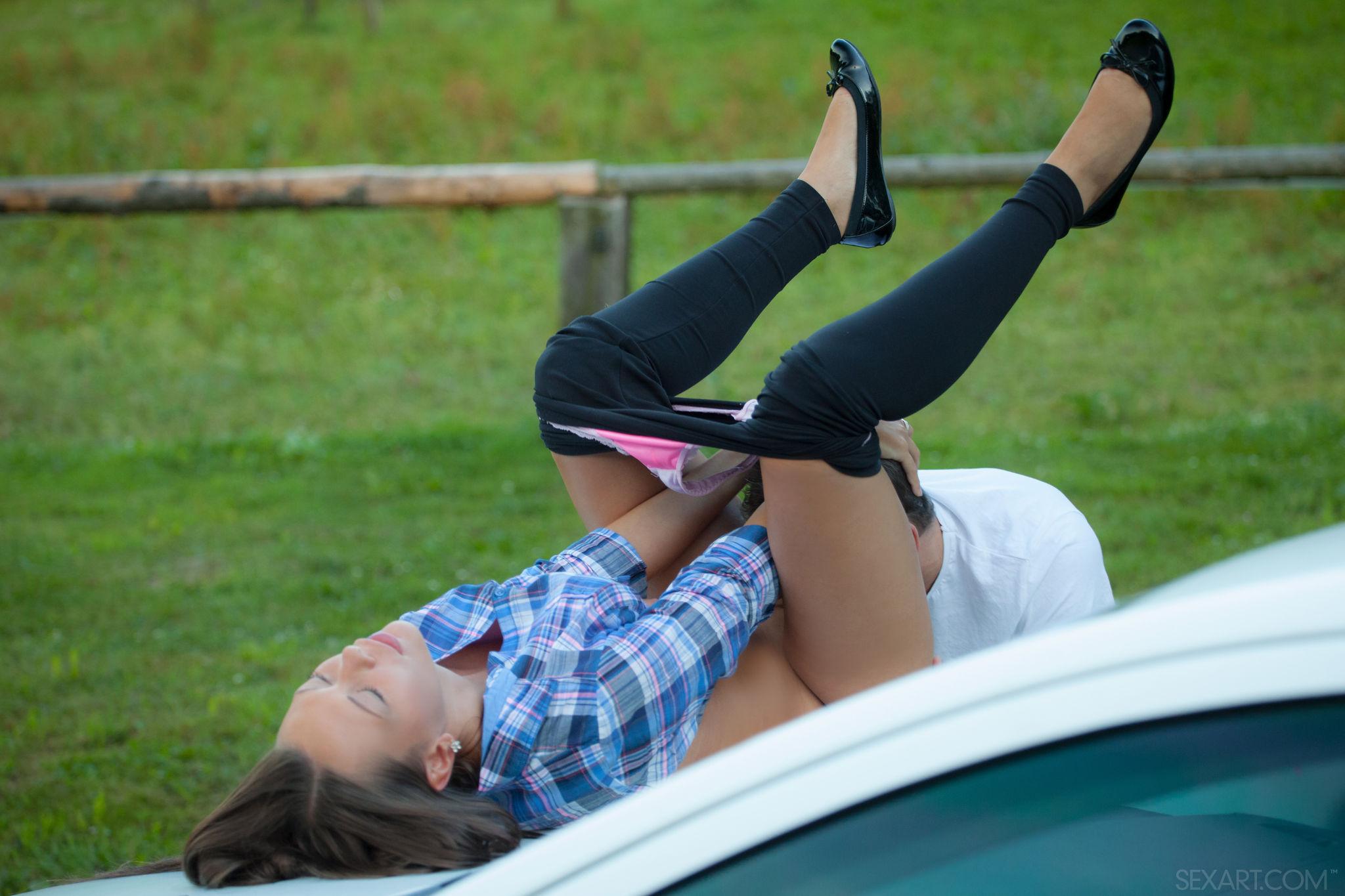Sandy Ambrosia - chupar y coger al aire libre