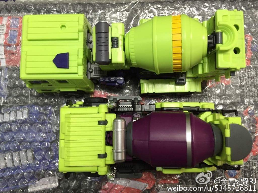 [Toyworld] Produit Tiers - Jouet TW-C Constructor aka Devastator/Dévastateur (Version vert G1 et jaune G2) - Page 5 TTBqI5h0