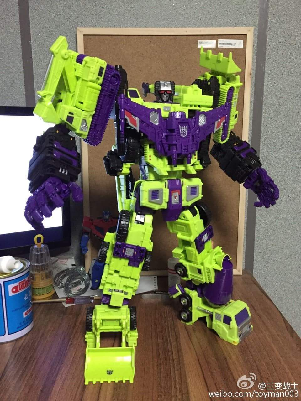 [Toyworld] Produit Tiers - Jouet TW-C Constructor aka Devastator/Dévastateur (Version vert G1 et jaune G2) - Page 6 M0cdA2y6
