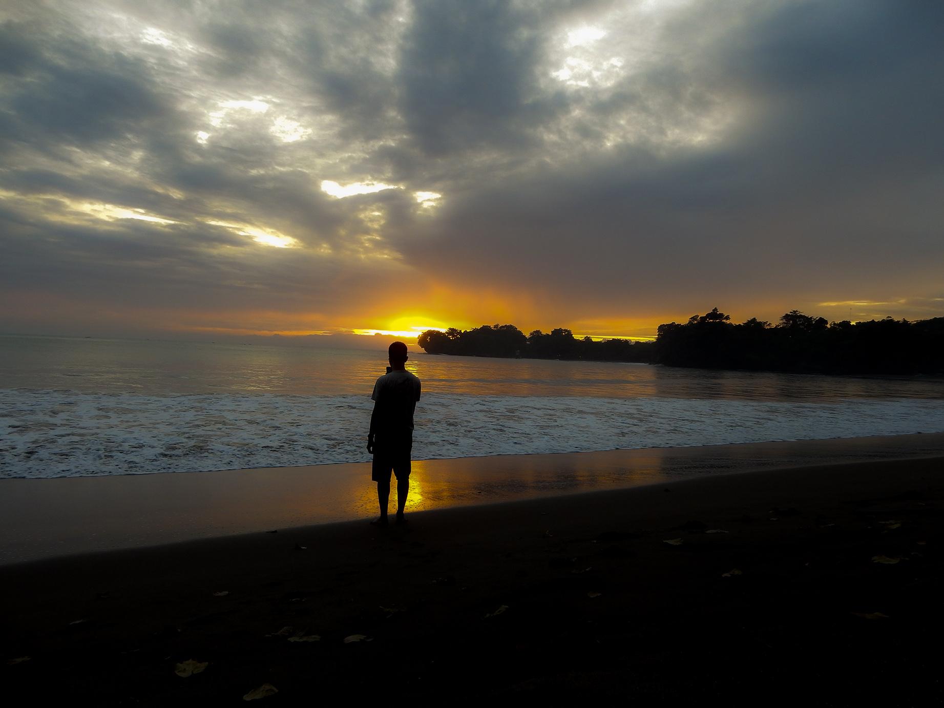 sunrise di batukaras