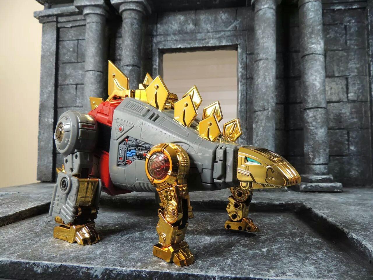 [Fanstoys] Produit Tiers - Dinobots - FT-04 Scoria, FT-05 Soar, FT-06 Sever, FT-07 Stomp, FT-08 Grinder - Page 4 UbrUL9mi