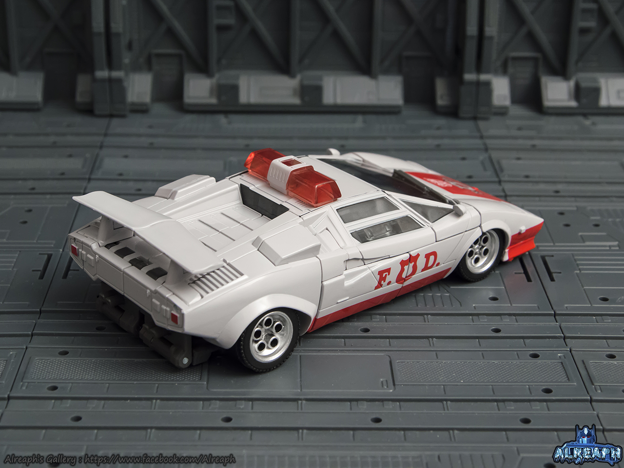 [Masterpiece] MP-14 Red Alert/Feu d'Alerte - Page 2 EYSDdrwH