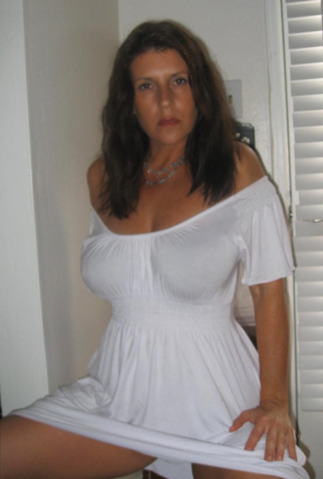 Lorena Ponce Nude 36