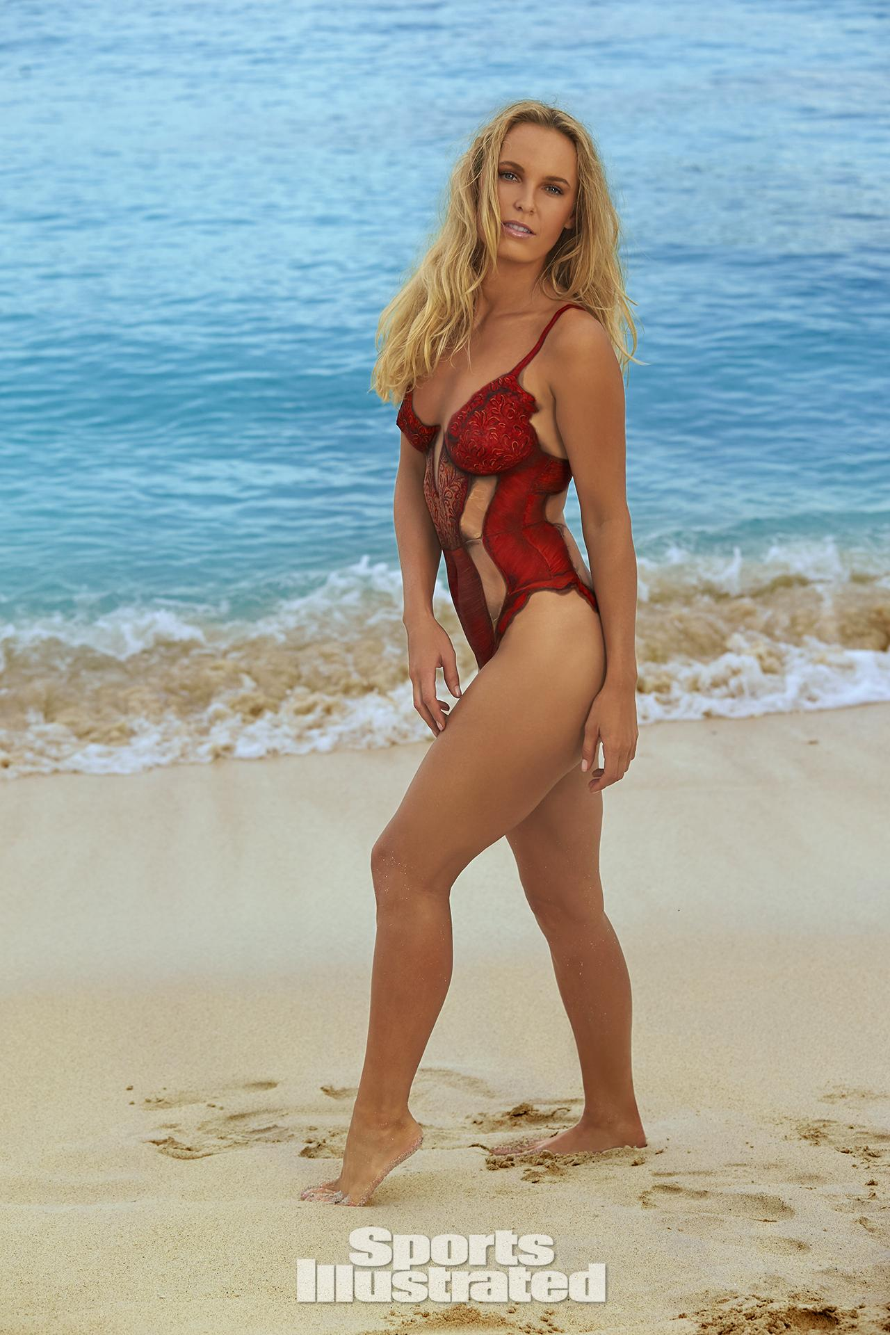 """... In Body Paint For 2016 """"Sports Illustrated"""" Swimsuit Issue"""