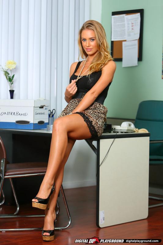 nicole aniston secretary