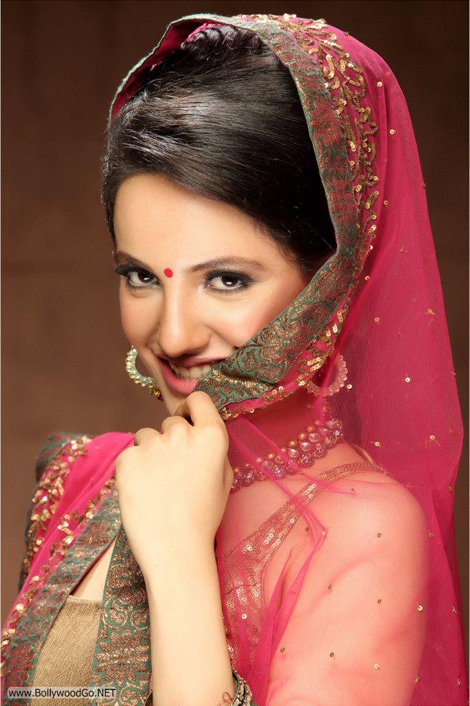 Actress and Model Lekhika Sizzles in Portfolio Photoshoot AdsrI7lB