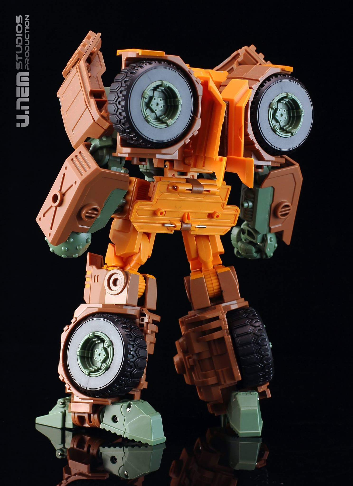 [Mastermind Creations] Produit Tiers - R-23 Dicamus - aka Roadbuster/Cahot des Wreckers IDW KaXjavBY